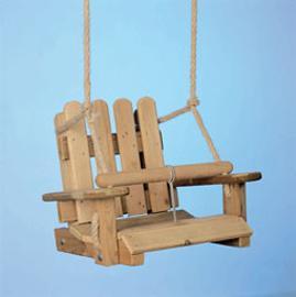 Una silla para los m s peque os juegos al aire libre for Silla de bebe de madera