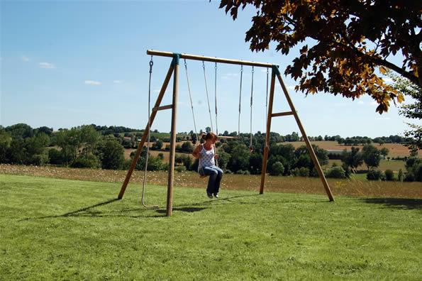 Un columpio para adultos juegos al aire libre el blog - Columpio madera jardin ...