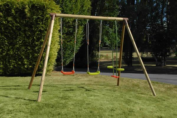Columpios integrados a su jard n juegos al aire libre - Columpio de madera para jardin ...