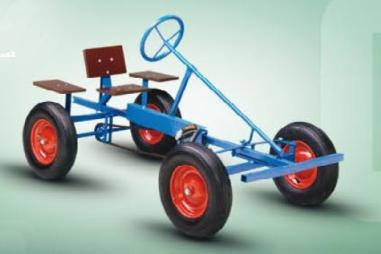 el primer coche de pedales de Berg Toys