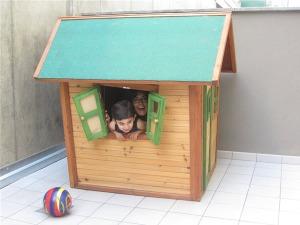 casitas de madera de niños de dibujos animados