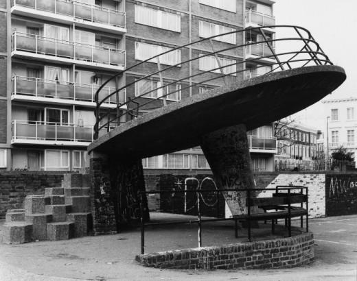 parque infantil británico de los años sesenta