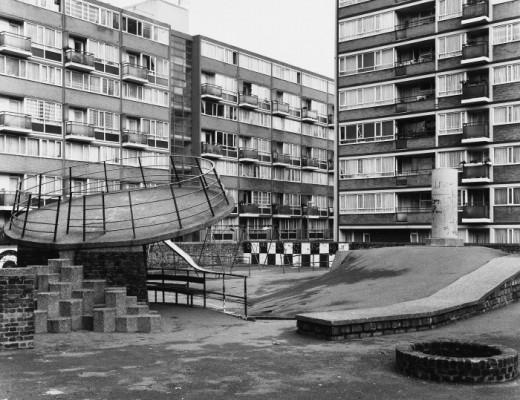 parque infantil en una ciudad británica