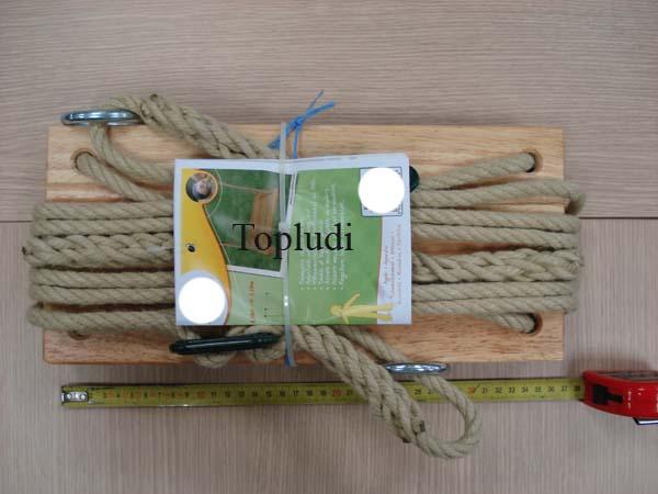 asiento de columpio de madera con cuerdas largas