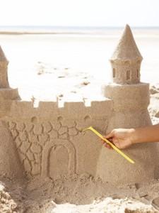 los areneros sirven para hacer castillos de arena
