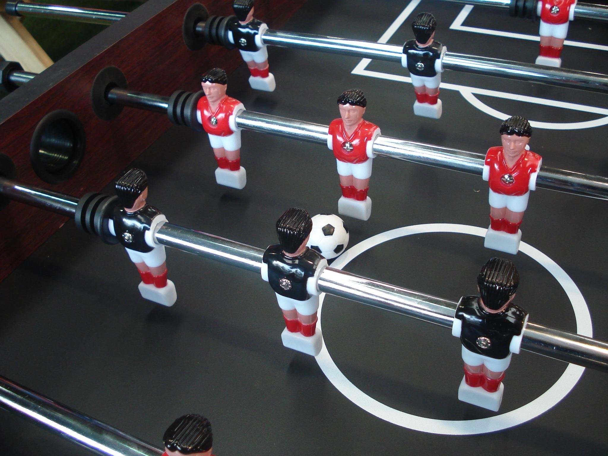 jugadores del futbolín masgames